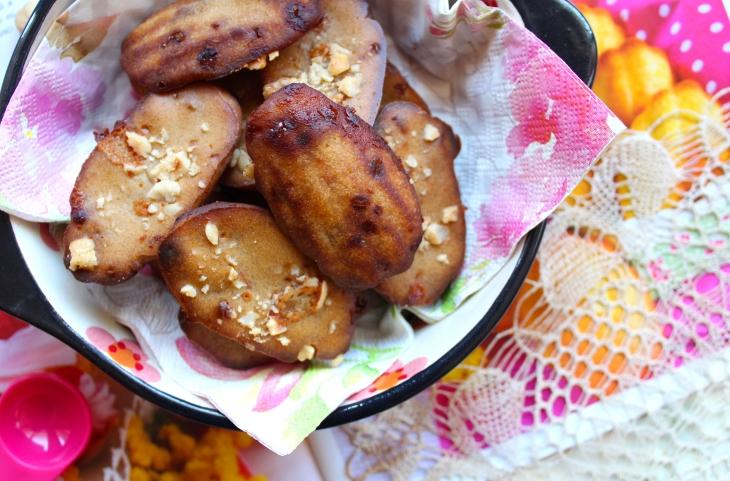 madeleine roquefort, nocciole e marmellata