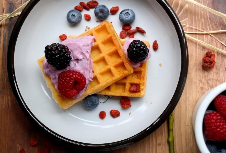 waffles-con-frutti-di-bosco