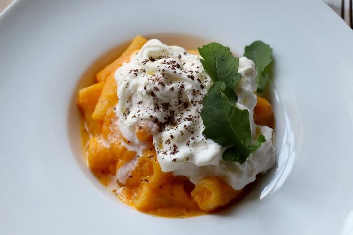 rigatoni-muzzarelli-caffe-crema-di-carote-e-burrata